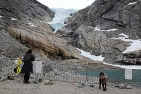 Lars and Karma, observing the glacier