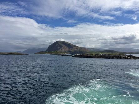 Leaving Brønnøysund. We visited Rødyfjellet (on this picture) upon returning from Lofoten