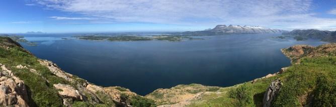 Rødøyfjellet summit view (1/2)