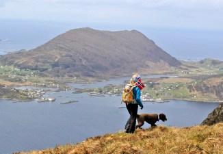 Sandsøya in the background