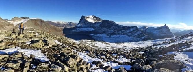 Kvitegga dominates the view