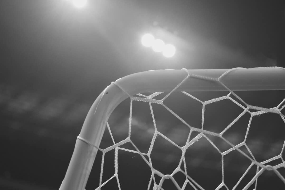 """Inter Mediolan – spór o znak towarowy i prawny """"faul"""" Davida Beckhama"""