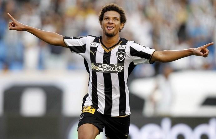 Botafogo vai renovar com Willian Arão até 2017