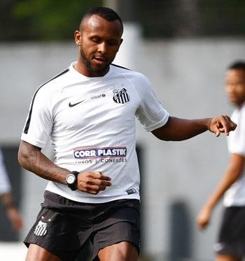 Chiquinho admite acerto próximo com o Flamengo
