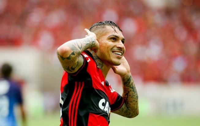 Fora da final, Guerrero posta apoio ao Fla em rede social: 'Vamos por esse título'