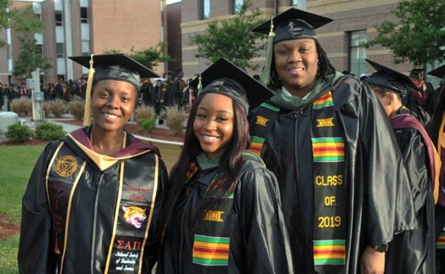 Bethune Cookman University 2019 graduates. (BCU)
