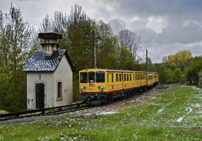 Train under a French sky. (Miquel González Page)