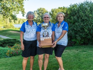 The winning team from Mississippi GC - L-R Sandy Geren, Sandy Iwaniw, Suzanne Maheral (Photo: Diane Illingworth, OVGA)