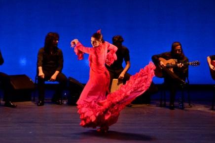 Alicia Marquez traz as cores de Sevilha à Feira Flamenca