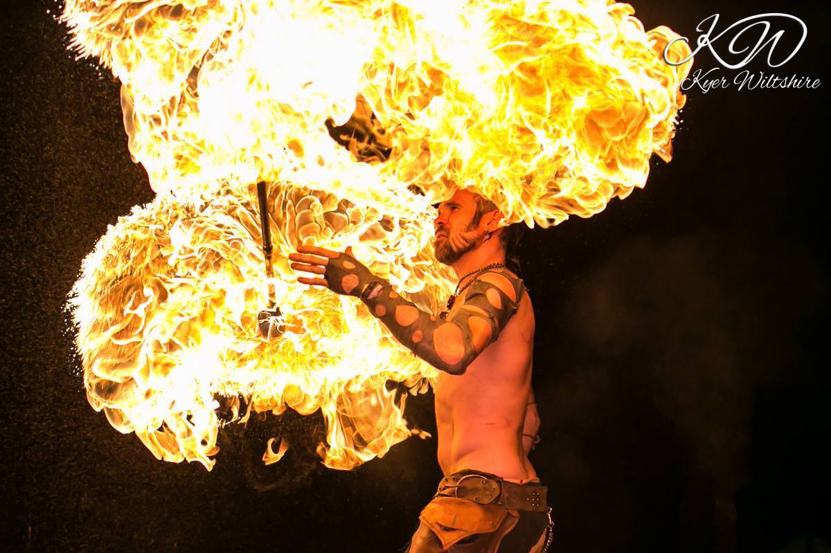 Los Angeles Fire Performer Lester Love Flamewater Circus (8)