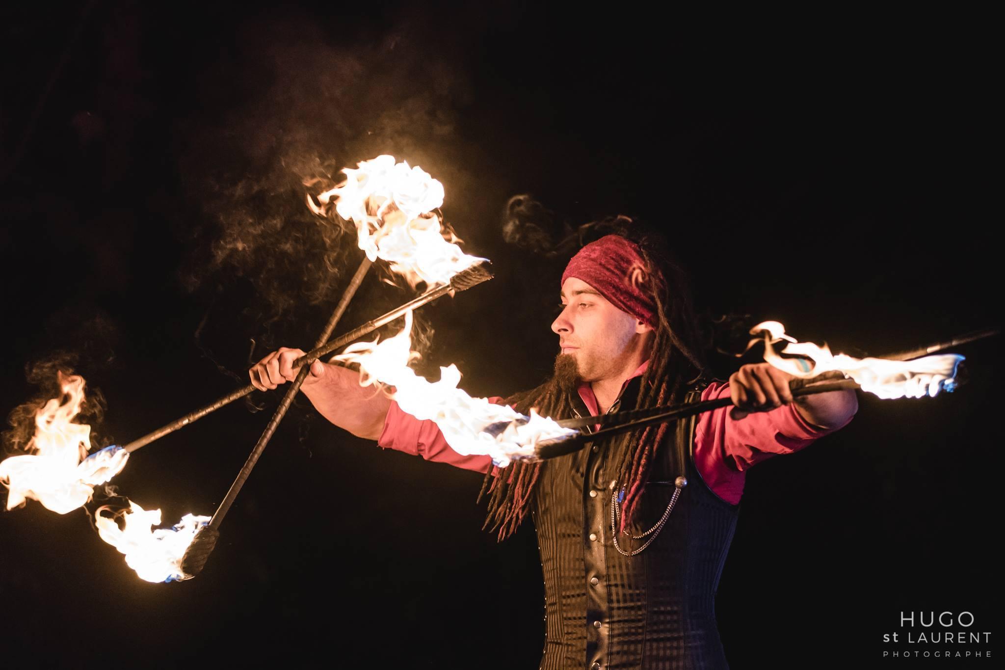 Montreal Fire Performer Golem Obsidian