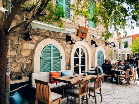 cafes in Alacati