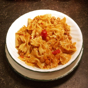 Farfalle Pasta & Chickpea Toss | Flamingo Musings