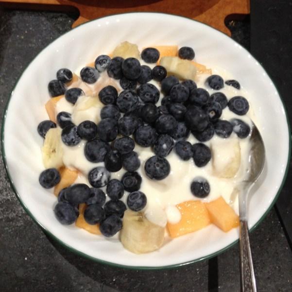 Fresh Fruit with Honey Yogurt Sauce | Flamingo Musings
