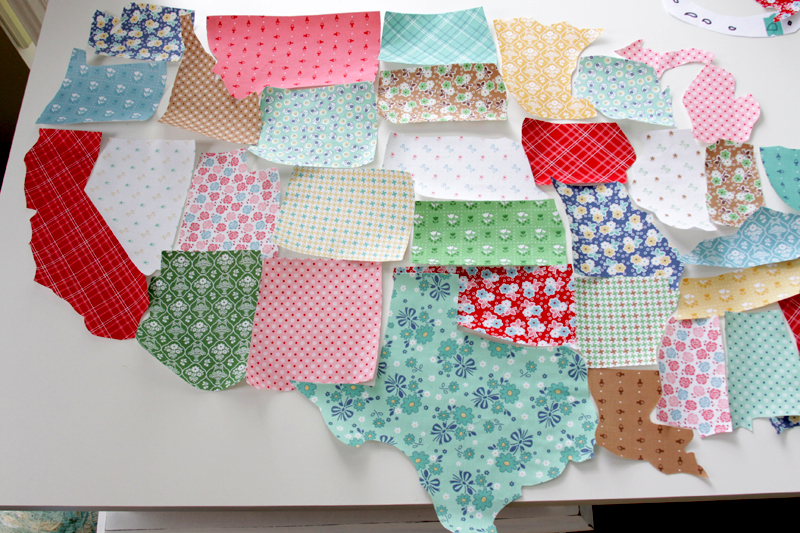 US Map Quilt Tutorial featured by top US quilting blog, Flamingo Toes: US States cut from fabric