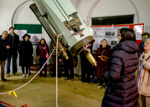 Sarah chats about the Northumberland Telescope with the Flamsteed group