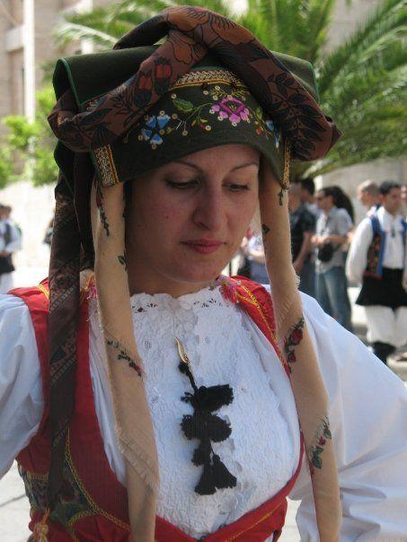 Donna di Samugheo alla Cavalcata Sarda (2009)