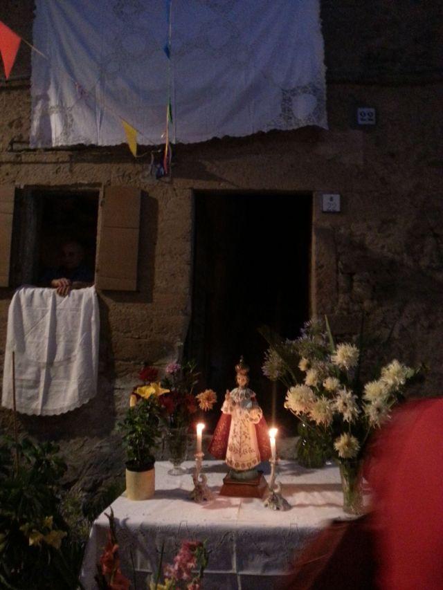 Un piccolo altare, per le vie di Ozieri, per rendere omaggio alla Madonna del Carmelo..