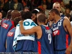 Les Bleus unis lors du barrage France - Serbie - Euro 2005 (c) Fibaeurope - Castoria-Metlas & Parausic