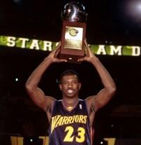 Jason Richardson vainqueur du concours de dunk 2002 en tant que rookie (c) Getty