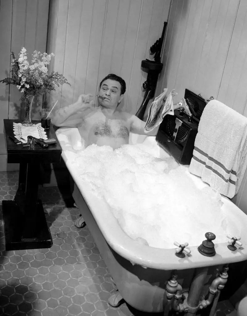 The Joy Of Taking A Bath In The 20th Century Flashbak
