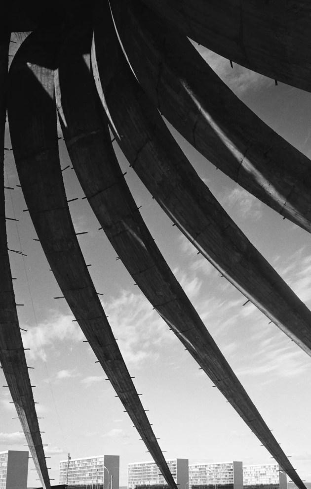 Cathédrale, Brasilia, Brésil (architecte : Oscar Niemeyer) 1961 Lucien Hervé