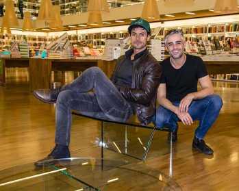 Designer Zanini de Zanine e Matheus Silveira