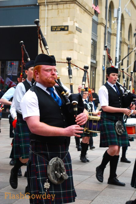 Even bagpipers need to take a breath sometimes