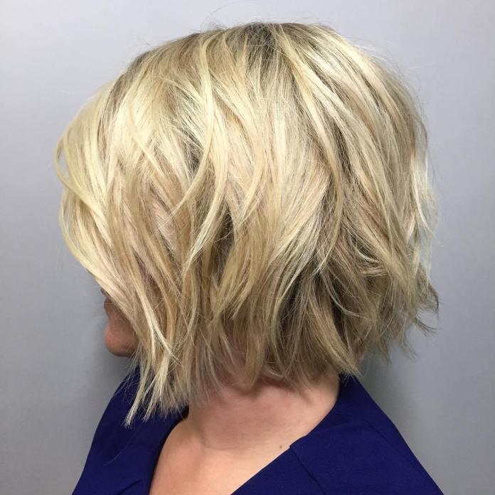 Bob blonde ondulée pour des cheveux fins plus épais