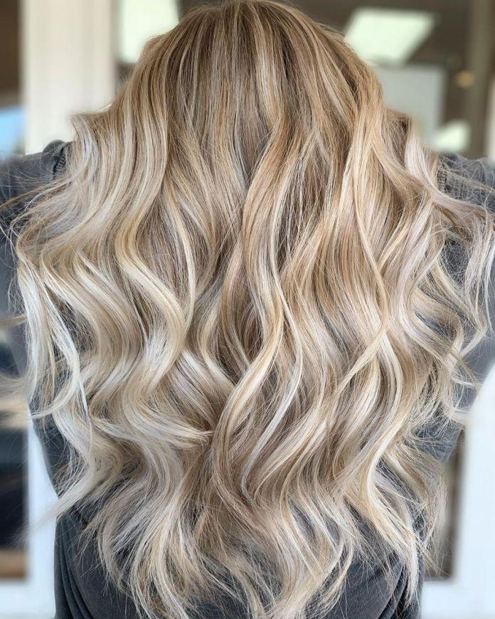 Balayage Blonde Complète avec Lowlights
