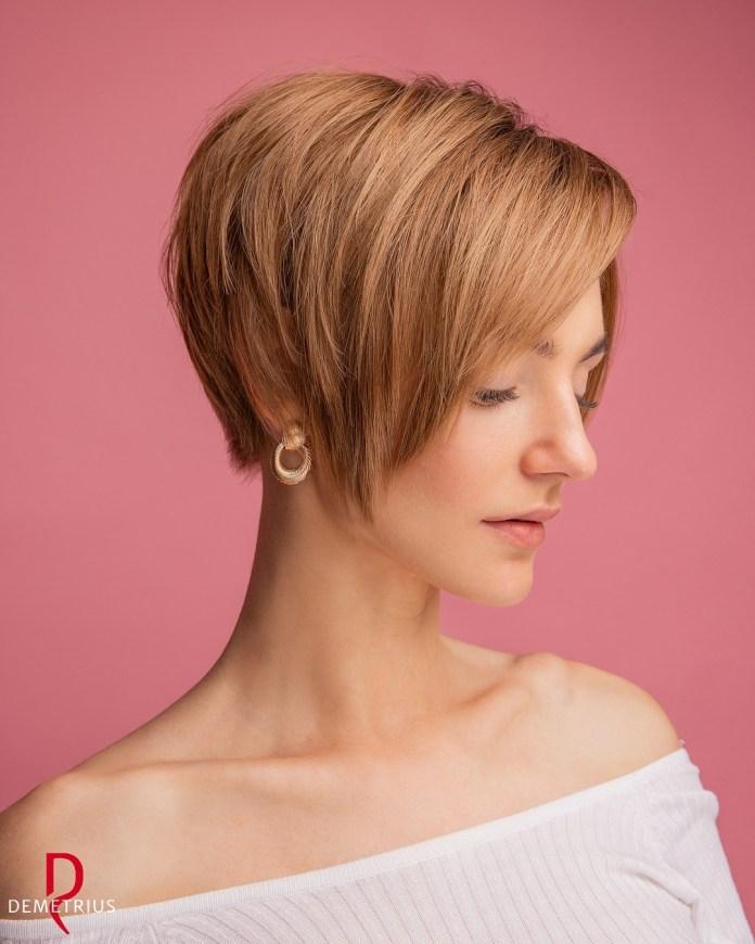 Coupe de cheveux de lutin de longueur d'oreille fraîche