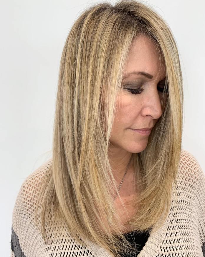 Plus de 50 coupe de cheveux moyenne avec des couches