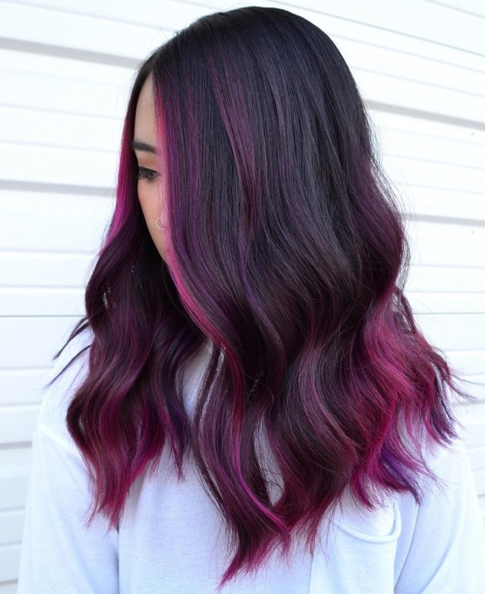 Mèches rouges violettes pour cheveux foncés