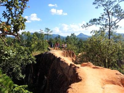 Narrow path in Pai Canyon