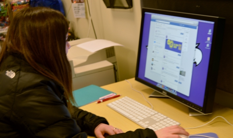 find jobs on facebook