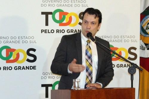 Secretário Artur Lemos, de Minas e Energia, discute medidas para potencializar área do carvão minera Foto Divulgação