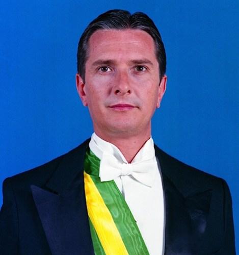 Foto oficial do presidente Fernando Collor de Melo.
