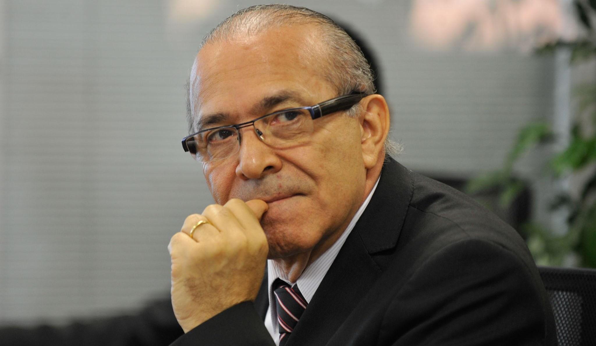 """""""USO DAS FORÇAS ARMADAS NÃO É FRAQUEZA""""."""