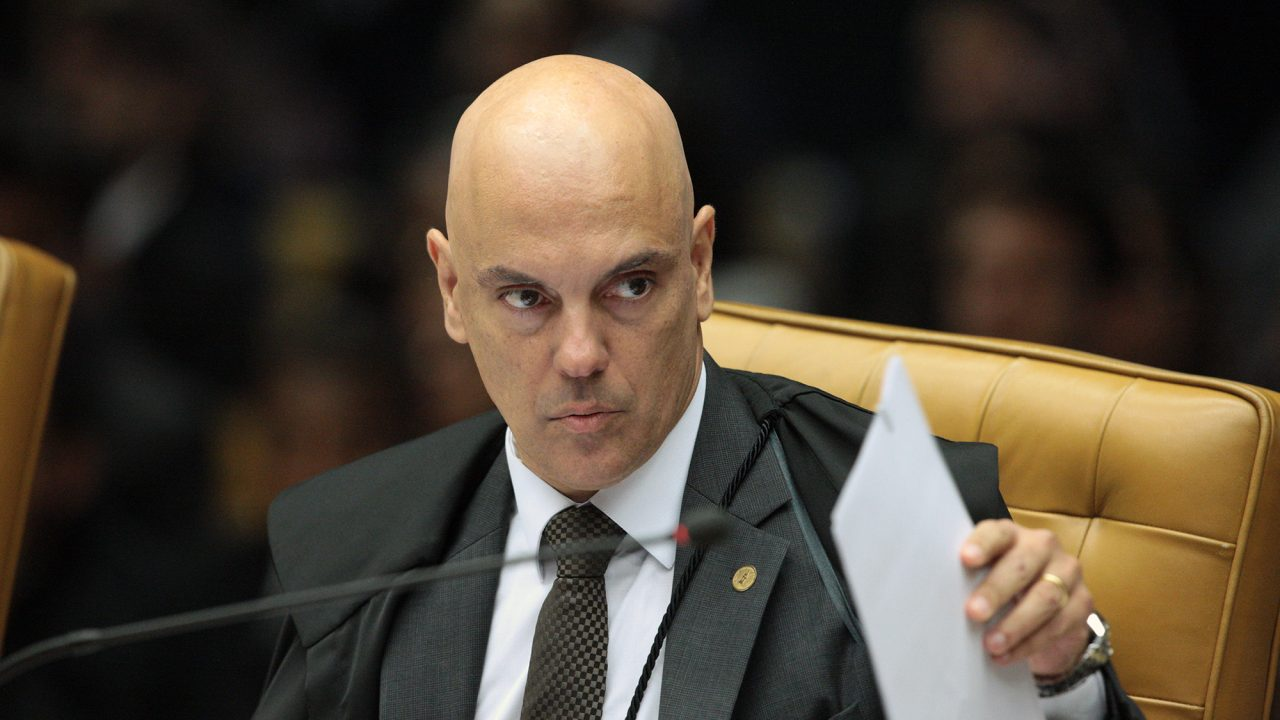 MINISTRO ALEXANDRE DE MOARES DO STF DEFENDE PRISÃO DE HACKER QUE INVADIU TELEFONES DE AUTORIDADES