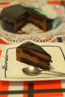 Tort cu mousse de ciocolata neagra