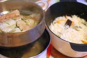 Fileuri de cod aromate la aburi cu pilaf cu condimente
