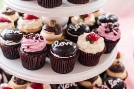 wedding cupcake display 5 -Erin Michelle Photography