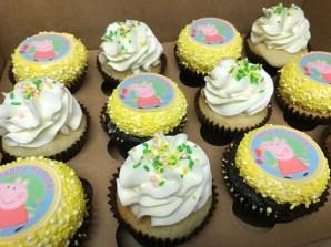 peppa pig cupcakes (2)