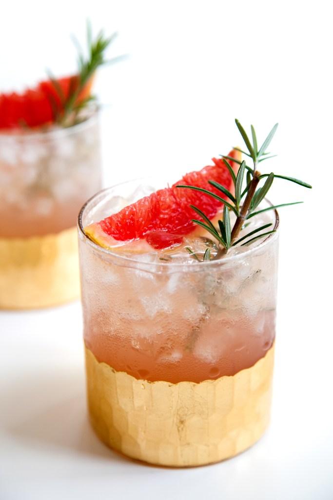 grapefruit-rosemary-cocktail