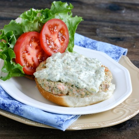 Recipe for Salmon Burgers with Dill Tartar Sauce