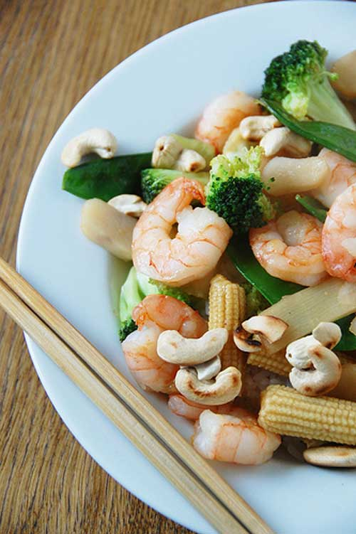 Recipe for Shrimp Stirfry - This dish is so flavorful, and shockingly, good for you! Just don't over do it!