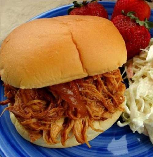 Recipe for Tasty Barbecue Chicken Sandwiches in the Crock Pot - This is almost too easy to be called a recipe, but I had to share it anyway. I came up with it one night when I wanted a nice meal but wasn't feeling too motivated.