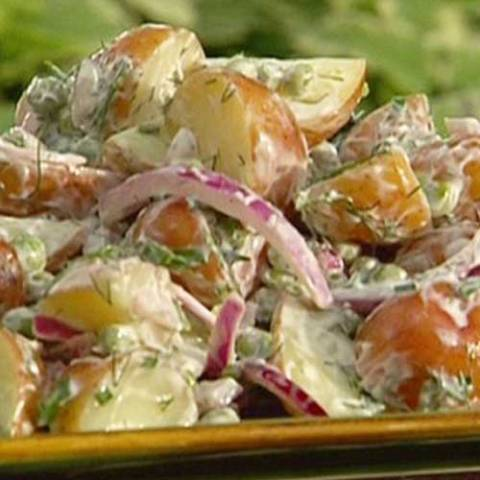Recipe for Country Potato Salad - Looking for a tasty, low calorie potato salad recipe to take to a Memorial Day BBQ this year? Try this healthier version of a popular Southern recipe for Country Potato Salad, and enjoy the flavors you love without the guilt.
