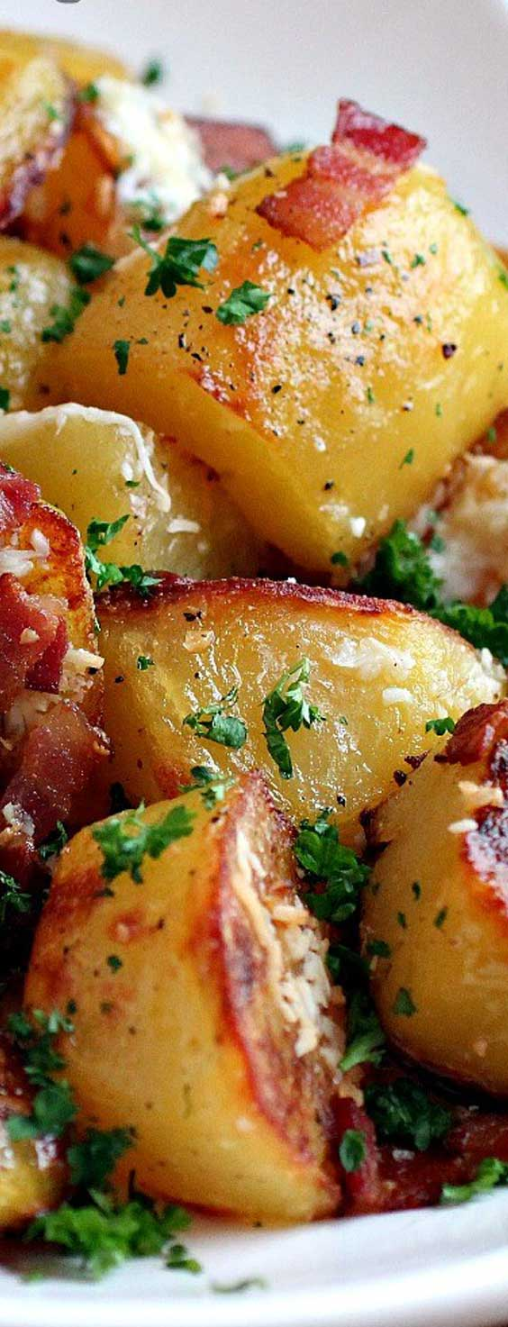 These Oven Roasted Potatoes will absolutely melt in your mouth !! #potatorecipe #sidedish #potato