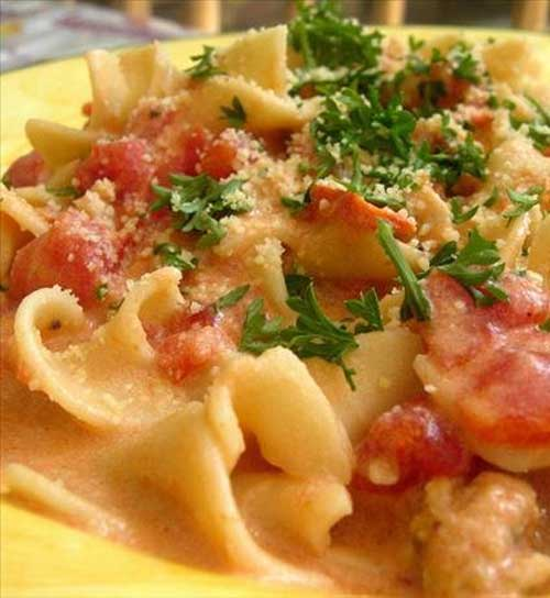 Recipe for Pasta with Sausage Tomatoes and Cream - Delicious and satisfying, it's a pleaser! Easily doubled.